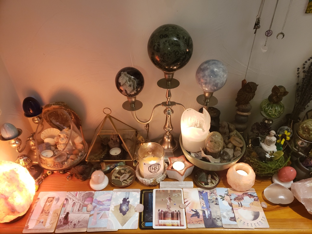 10 card tarot reading from a real tarot reader. Discover what message the tarot cards have for you and order a tarot reading.